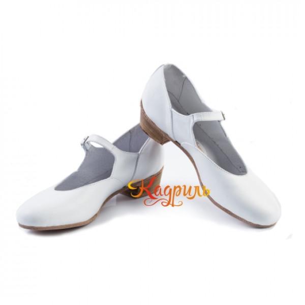 Туфли на девочку для народно характерного танца белые. Рис. 1