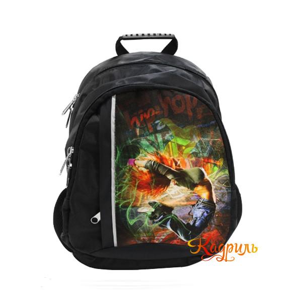 Рюкзак черный с рисунком. Рис. 1