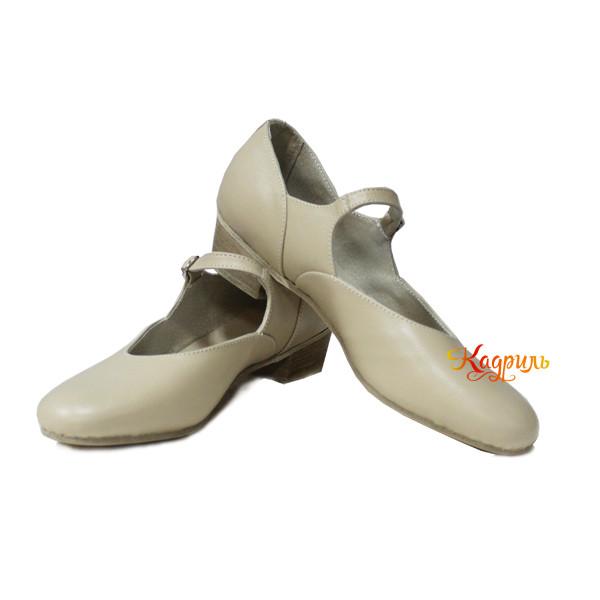 Туфли на девочку для народно характерного танца бежевые. Рис. 1