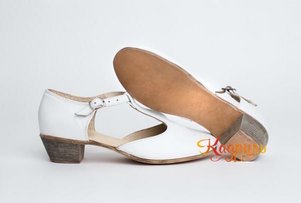 Туфли тренировочные белые. Рис. 2