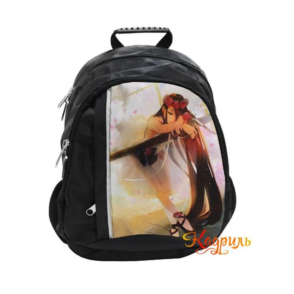 Черный рюкзак с балериной. Рис. 1